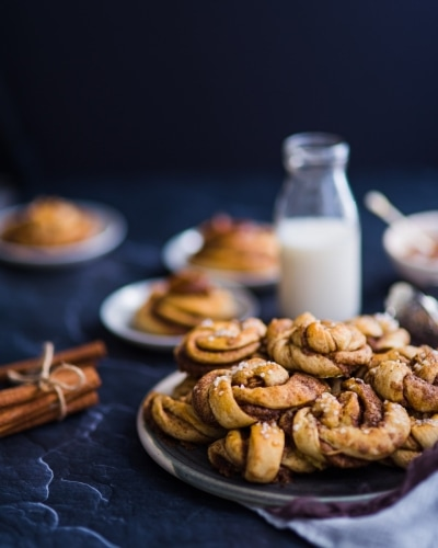 23.-Swedish-Cinnamon-Buns-Kanelbullar
