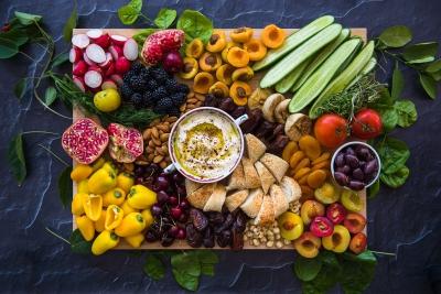 40.-Arabic-Grazing-Board-with-Garlic-Labneh